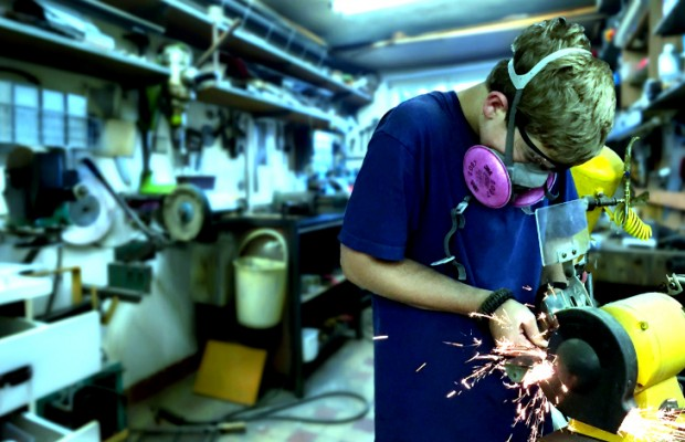 Knife Community Helps 7th Grade Knife Maker Master the Trade
